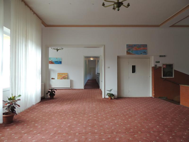 hol etaj